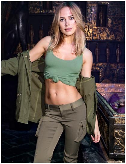 Kimberley Garner Is A Hotter Lara Croft Than Alicia Vikander