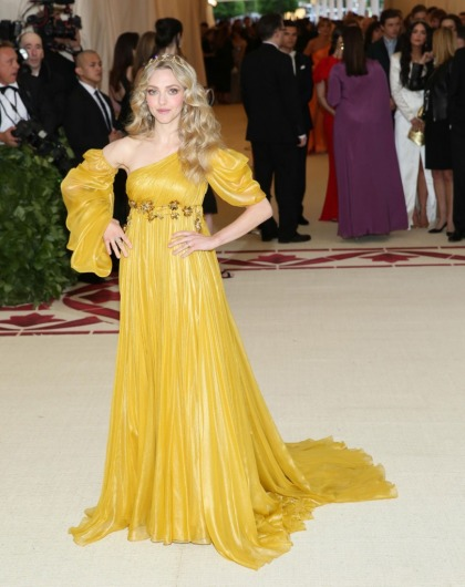 Amanda Seyfried in yellow Prada at the Met Gala: gorgeous and angelic?