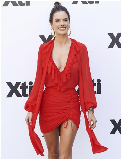 Alessandra Ambrosio Ultra Cleavagy, Leggy, And Bootylicious