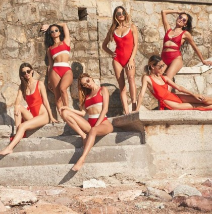 Victoria Justice And Her Hot Friends In Swimsuits