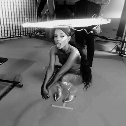 Ariana Grande's Tongue Tease Begins