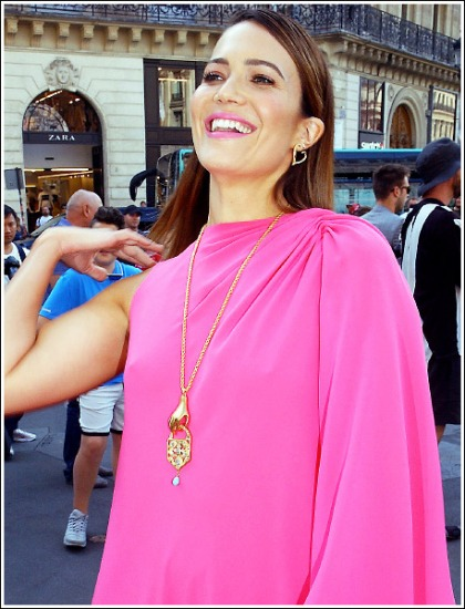 Mandy Moore Pretty In Pink And Braless, Oh My!