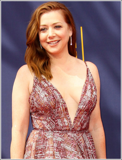 Alyson Hannigan Drops Some Seriously Sexy Braless Cleavage Action