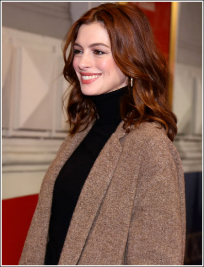 Anne Hathaway Looking All Kinds Of Ultra Hot And Flawless
