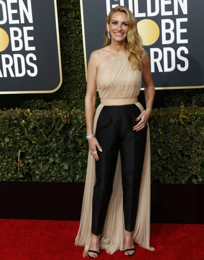 Julia Roberts in Stella McCartney at the Globes: flattering or fug?