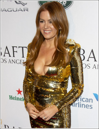 Isla Fisher Busting Out Her Massive Braless Cleavage Like Bananas!