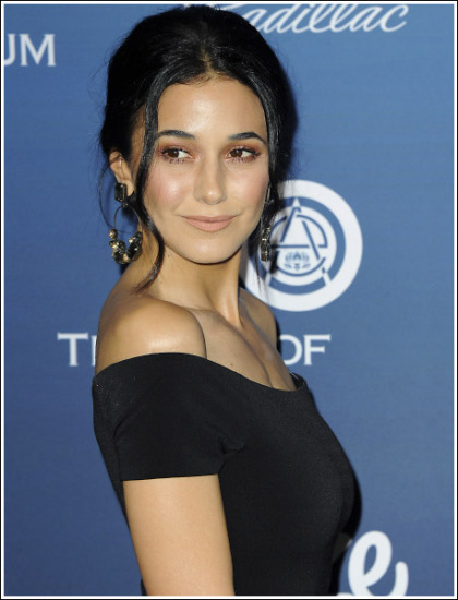 Emmanuelle Chriqui Looking All Kinds Of Busty And Flawless