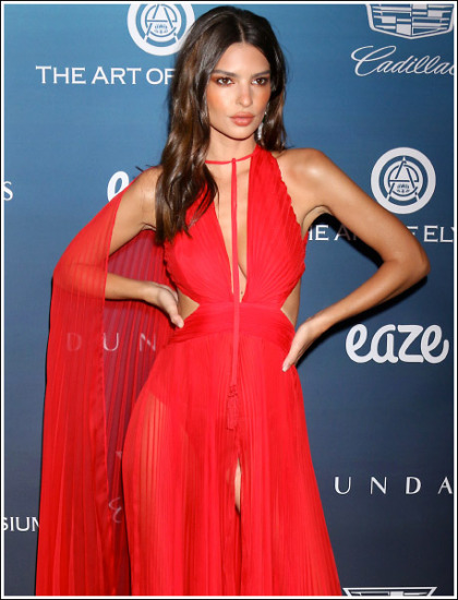 Emily Ratajkowski Shows Off Her Ginormous Cleavage And Booty In A Revealing Dress!