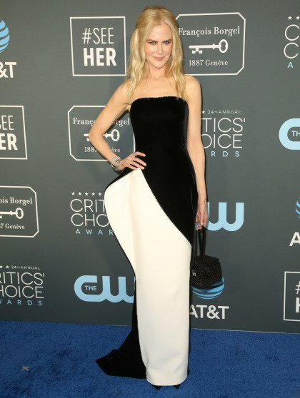 Nicole Kidman in structural Armani at the Critics' Choice Awards: messy or fine'