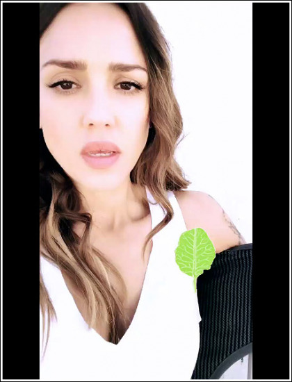 Jessica Alba Flashes Some Sexy Cleavage Action