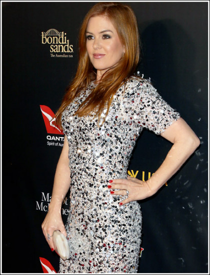 Isla Fisher Puts On A Busty And Bootylicious Show!