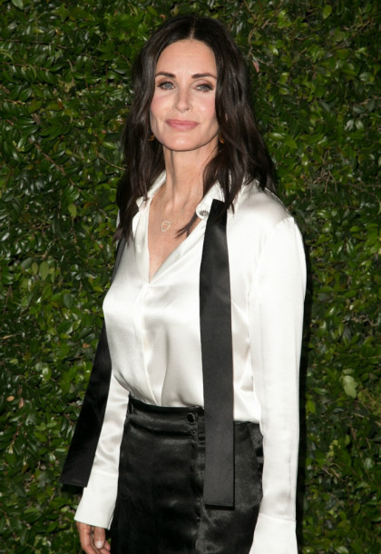 Courteney Cox reveals that she didn't lose her virginity until 21