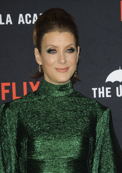 Kate Walsh got a hip replacement seven months ago & now does ballet workouts