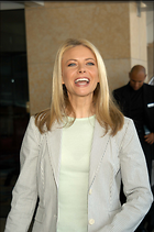 Celebrity Photo: Faith Ford 2000x3008   519 kb Viewed 187 times @BestEyeCandy.com Added 1008 days ago