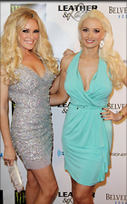 Celebrity Photo: Holly Madison 500x800   87 kb Viewed 121 times @BestEyeCandy.com Added 959 days ago