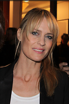 Celebrity Photo: Robin Wright Penn 1999x3000   660 kb Viewed 257 times @BestEyeCandy.com Added 1215 days ago