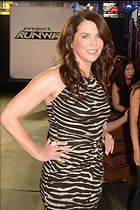 Celebrity Photo: Lauren Graham 1997x3000   974 kb Viewed 249 times @BestEyeCandy.com Added 855 days ago