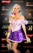 Celebrity Photo: Holly Madison 1685x2700   814 kb Viewed 88 times @BestEyeCandy.com Added 1157 days ago