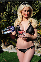 Celebrity Photo: Holly Madison 2100x3150   844 kb Viewed 658 times @BestEyeCandy.com Added 903 days ago