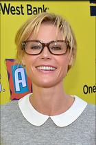 Celebrity Photo: Julie Bowen 1323x1991   710 kb Viewed 167 times @BestEyeCandy.com Added 273 days ago