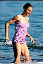 Celebrity Photo: Julie Bowen 900x1350   225 kb Viewed 95 times @BestEyeCandy.com Added 253 days ago