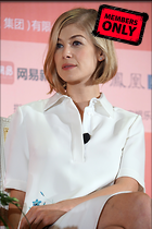 Celebrity Photo: Rosamund Pike 2832x4240   1.4 mb Viewed 1 time @BestEyeCandy.com Added 31 days ago