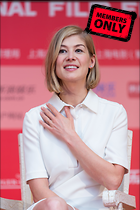 Celebrity Photo: Rosamund Pike 3795x5693   2.1 mb Viewed 3 times @BestEyeCandy.com Added 26 days ago