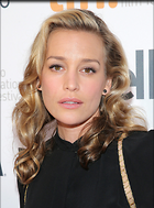 Celebrity Photo: Piper Perabo 759x1024   226 kb Viewed 41 times @BestEyeCandy.com Added 112 days ago